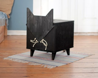 "Box Cat ""MINUJ"" with Chalkboard paint"