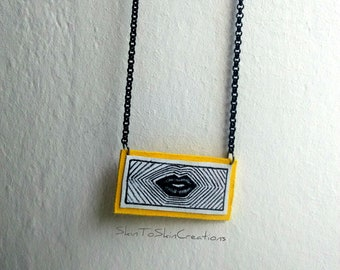 leather necklace-Women jewelry-handmade-necklace-chain jewelry-geometric-elegant-for her-contemporary design-painted-unique-lips-pop art