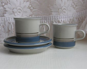Arabia Finland: A Set Of Four UHTUA Series Coffee Cups And Four Saucers, Pattern By Inkeri Leivo