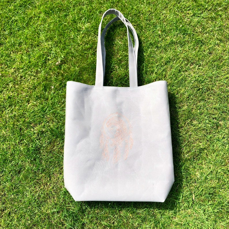 Beach bag. Strong tenting canvas tote bag with sheep print lining and internal pocket