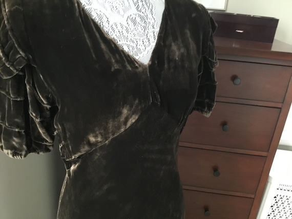1930's Chocolate Brown Silky Velvet Gown, Size Sm… - image 6