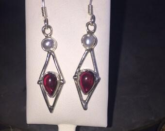 Garnet earrings in silver