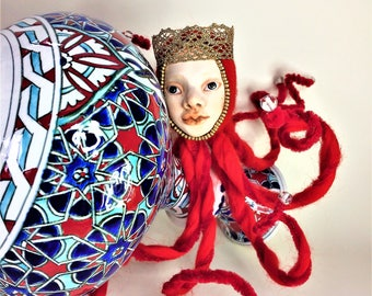 Art Doll Red Octopus Queen, OOAK Doll, Felt Ornament, Collectible, Horror Doll, Fantasy Creature, Pop Surrealism