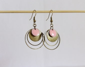 Graphic earrings bronze circles and pink enamel tender