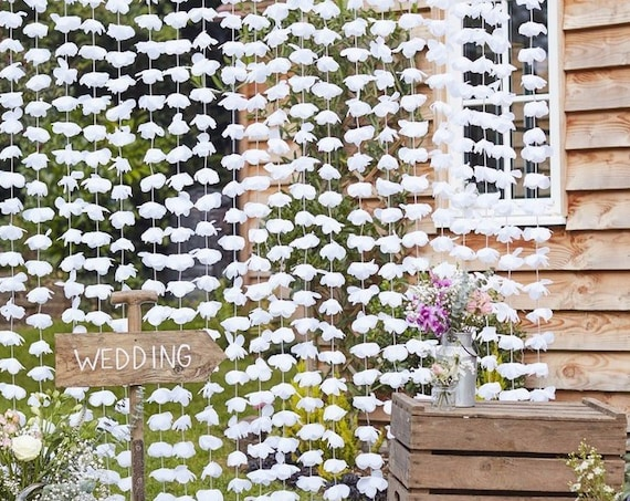 Rustic Floral Photo Booth Backdrop, Streamer Backdrop for Wedding, Bridal Shower, Baby Shower Decor