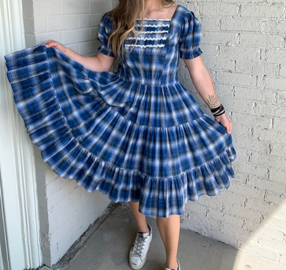 Lt Blue with Dk Blue /& Red Circles, Union Made USA Vintage 1960/'s Dress,Shift Style,PETTI 4/'s New York Label 12 Belt Worn Front or Back