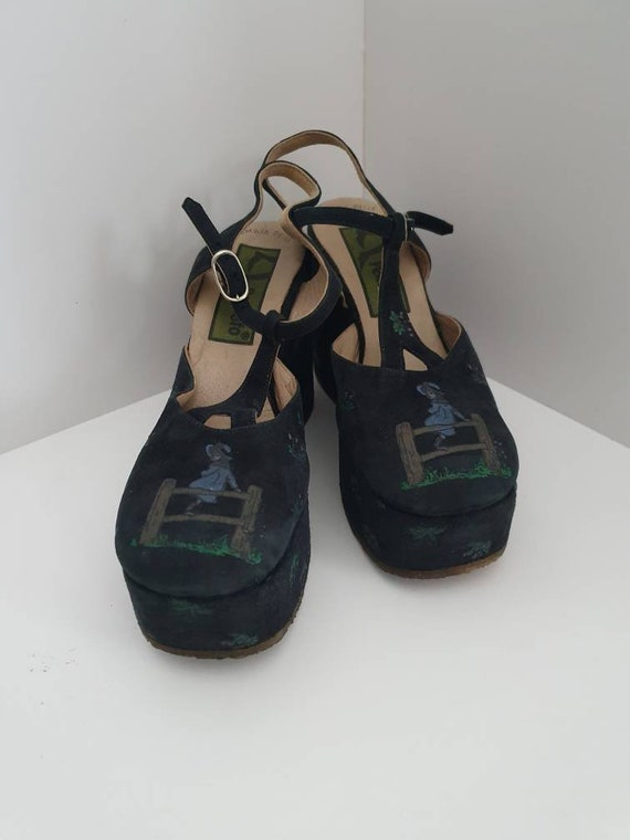 Platform Mary Jane shoes by Pensato