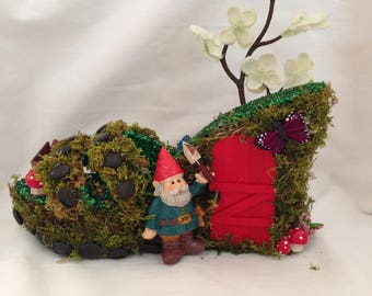 """The """"Gnome and Garden"""" Shoe"""