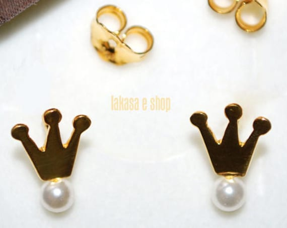 Freshwater Pearls Crown Stud Earrings Sterling Silver Gold plated Handmade Jewelry for her Princess Girl Regina Anniversary Birthday Gift