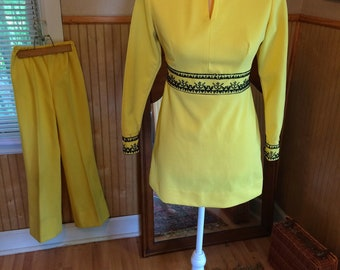 Mellow yellow polyester top and pants set hippie 60s authentic