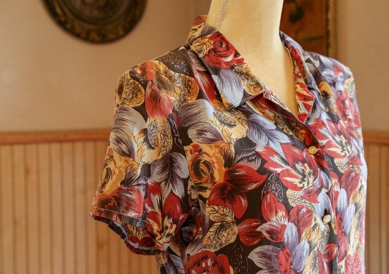 50s- Mid century vintage Hawaiian Shirt with unique sickle buttons -RARE-