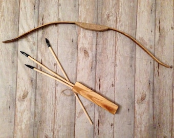 Dollhouse Artisan Leather Quiver /& Wood Arrows Set Green 1:12 Archery Miniature