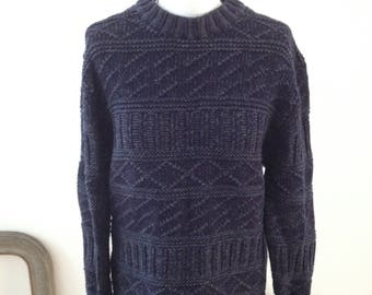 Sweater with 80s pattern