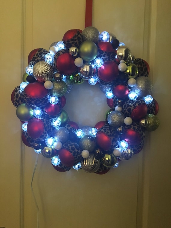 Light up Christmas Wreath | Etsy