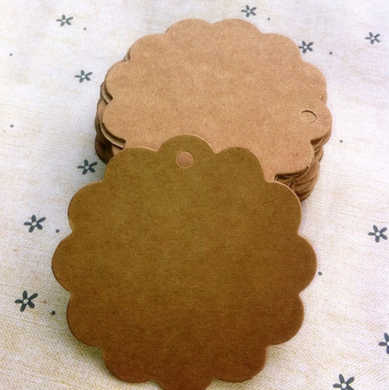 300pcs 6*6cm Kraft paper Lace round small label blank paper card  identification card hand soap tag
