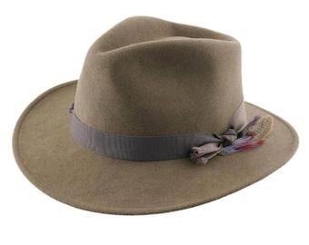 14d5d5bdb3112 L Indocile - Camel Fedora - Handmade - Crushable and Waterproof - Women s  or Men s hat. AU 144.55. Felt cordobes Hat - Black ...