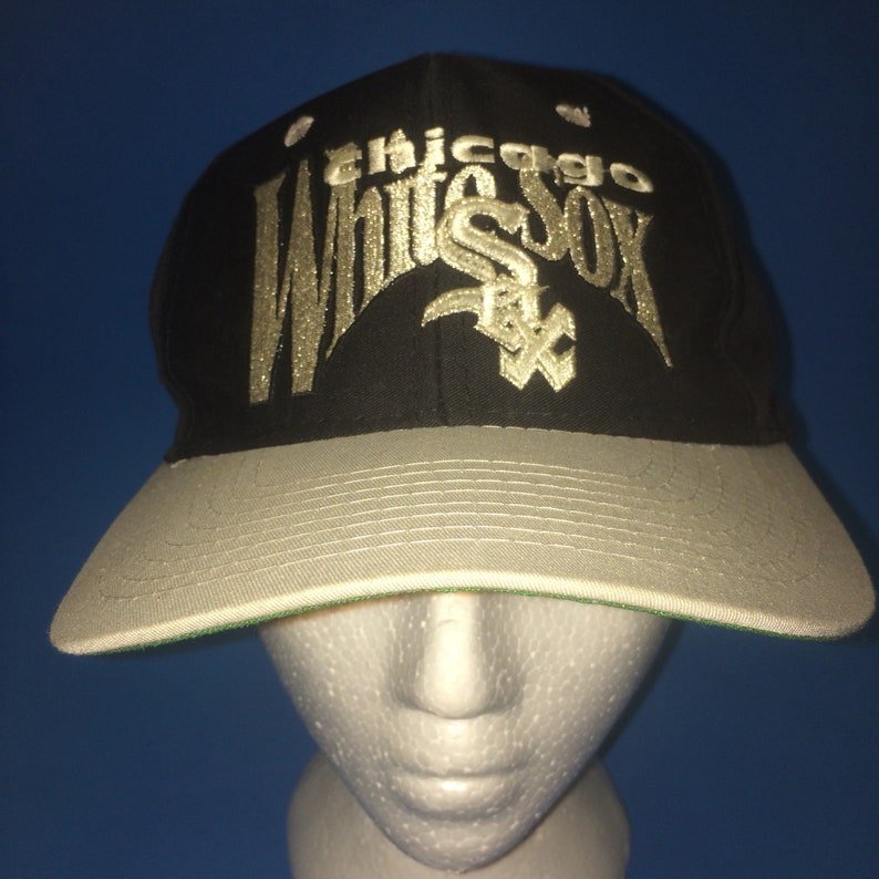 5c316f18 Vintage Chicago White Sox Fitted Hat size 7 1/2 by the game