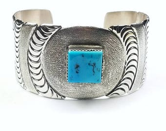 Native American Navajo Handmade Sterling Silver Kingman Turquoise Cuff Bracelet