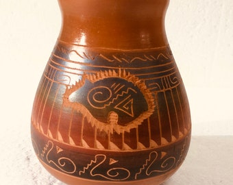 Native American handmade Navajo etched/horse hair pottery