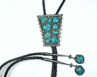 Vintage Native American Navajo handmade Sterling Silver Turquoise stone bolo tie