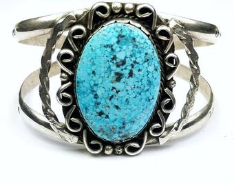 Vintage Native American Navajo handmade Sterling Silver natural Kingman Turquoise cuff bracelet