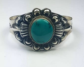 Native American Navajo handmade Sterling Silver Villa Grove Turquoise cuff bracelet