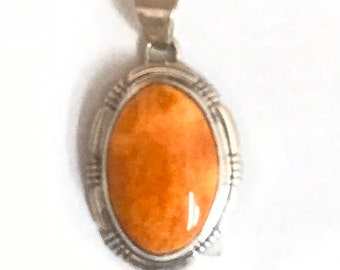 Native American Navajo Handmade Sterling Silver Spiny Oyster Shell Pendant