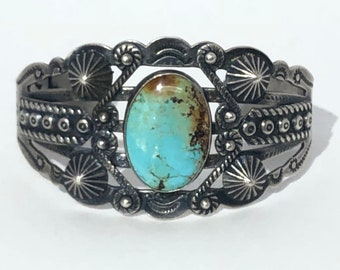 Vintage Native American Zuni Handmade Sterling Silver Turquoise Cuff
