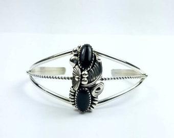 Native American Navajo handmade Sterling Silver Onyx bracelet