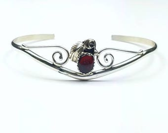 Native American Navajo handmade Sterling Silver Agate cuff bracelet