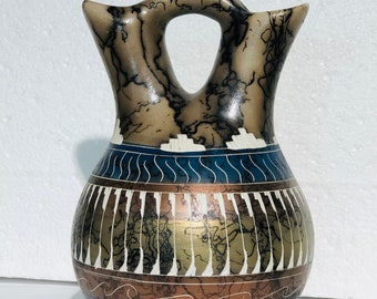 Native American Navajo Etched horse hair Wedding Vase pottery