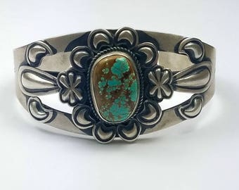 Native American Navajo handmade Sterling Silver Fox Nevada Turquoise cuff bracelet