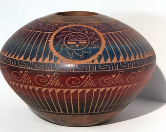 Native American Navajo handmade Etched pottery