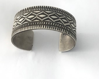 Native American Navajo Handmade Sterling Silver Unisex Bracelet