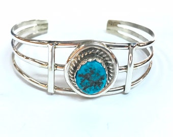 Native Anerican Navajo handmade sterling silver cuff bracelet set with Kingman turquoise