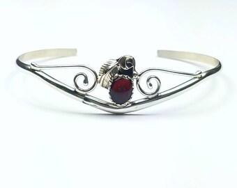 Native American Navajo handmade Sterling Silver Agate cuff bracelet