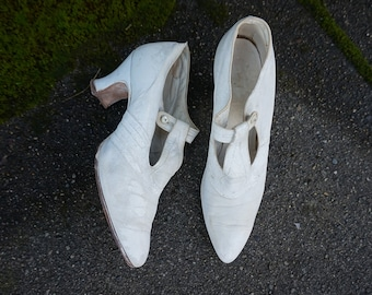 7a0ce724a0e Wonderful True Vintage 1920s Wedding Heels White Kid Leather Shoes Size 5.5  A Spool Heels Pointed Toe T-strap Strap Edwardian 1910s Shoes