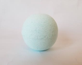 Sore Muscles Bath Bomb - Rosemary, Peppermint & Eucalyptus