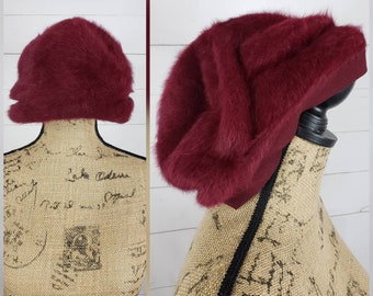 62ff55c4ae7 Vintage 1970s 1980s French Pomegranate Red Halo Beret of Angora Wool