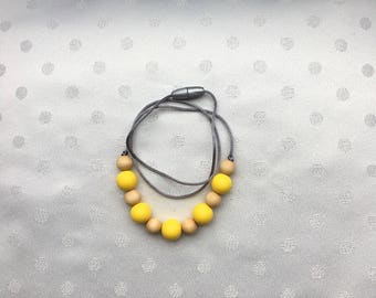 Nursing necklace - teething necklace - chewable necklace - teether - silicone teething necklace for mom -wood and silicone teething necklace