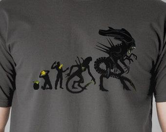 Xenomorph  Evolution T-shirt / Science Fiction Tee  / Sci-fi / Cult Movies