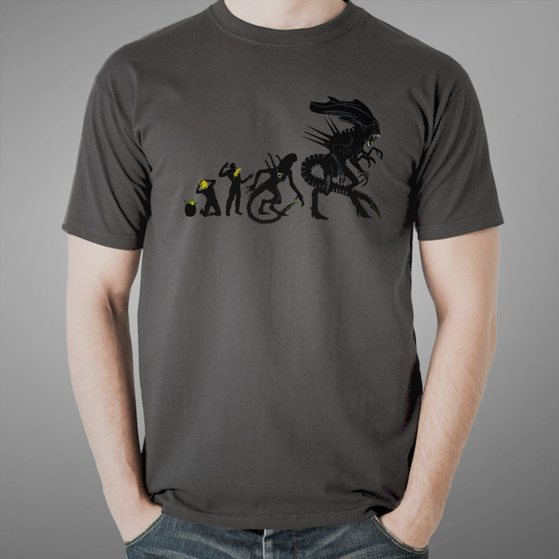 Xenomorph  Evolution T-shirt / Science Fiction Tee  / Sci-fi / Charcoal