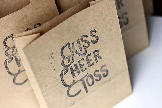 KISS CHEER TOSS