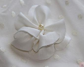 White Linen Fabric Flower, Linen Flower, White Flower Hair Clip, Brooch Pin Flower, Flower for Dresses, White Flower Hair Pin, Flower Brooch