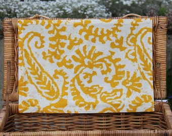 3 Placemats + 1 Placemat Present available, Yellow Linen Placemats, Fabric Placemats, Placemats Linen, Yellow Placemats, Farmhouse Placemat