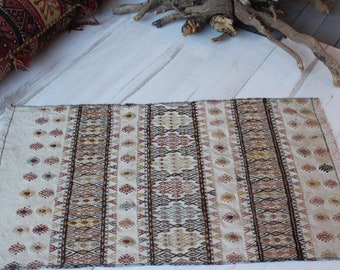 "1'9""x3'1""ft  Vintage Nomadic  Small Kilim, Handwoven Wool Small Ivory Colour Kilim , Ethnic Bohemian Small Kilim"