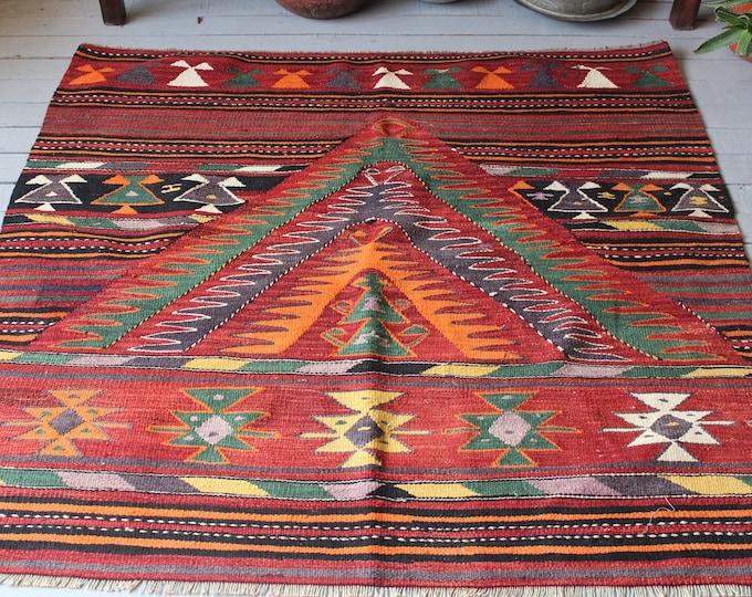"4'6""x 4'6"" Bohemian Square Kilim Rug, Turkish Handwoven Wool Kilim ,Aztec Rug Floor Rug Home decor Boho Rug Organic Vintage Rug"