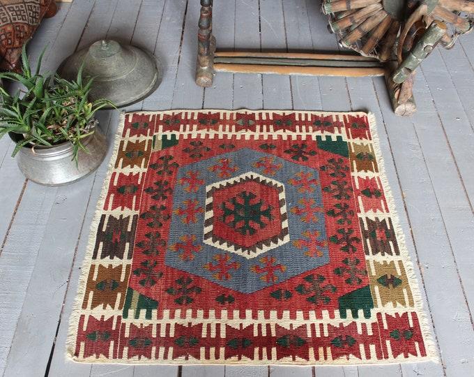 "2'4""x2'6"" ft Vintage Turkish Kilim Rug, Ethnic Kilim, Small Kilim Rug, Small Bohemian Kilim, Small Aztec Design Kilim, ReD KILIM Doormat"