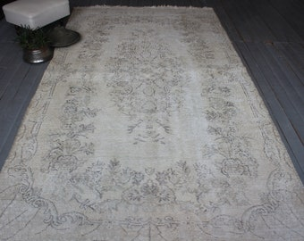 "5'2""x9'2"" ft Vintage Oushak Rug, Distressed Beige Rug, Turkish Anatolian Medallion Rug"