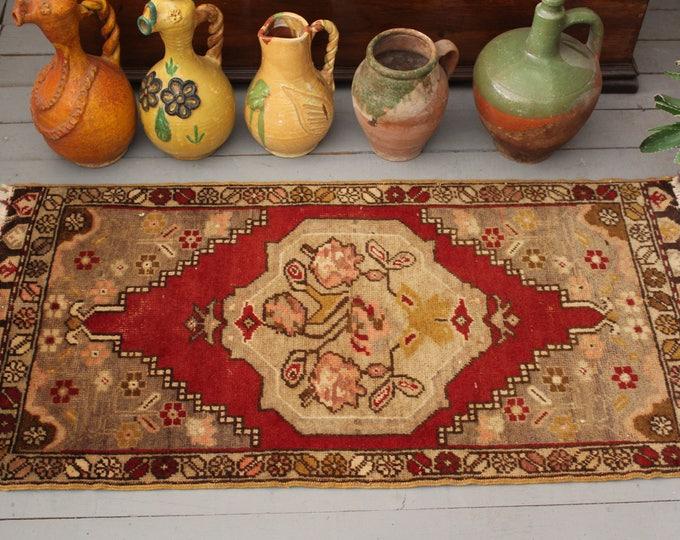 "1'7""x3'6"" Vintage  Turkish Red Medallion Handwoven Wool Small Rug,Ethnic Door Mat,Tribal,Oriental Small Wool Rug"